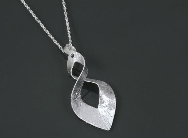 Jewelry Photography silver necklace