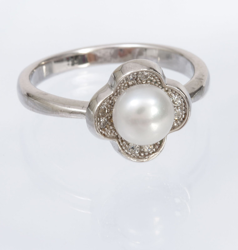 Jewelry Photography silver and pearl ring